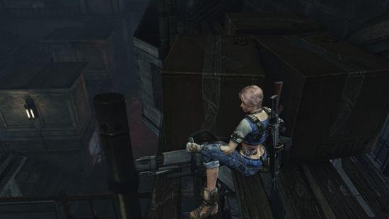 颯爽英姿 女隊員手持重型機槍身靠掩體進行防禦