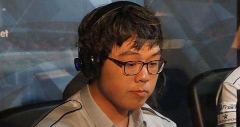 前Frost戰隊選手Woong以教練身份回歸