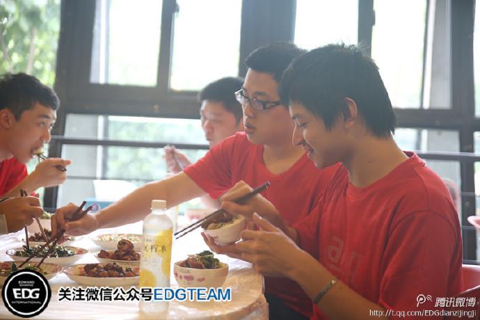 台灣之光AHQ戰隊已抵達上海 與EDG戰隊合練