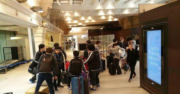 巴黎火車站直擊:S5大部隊正在趕往倫敦
