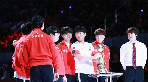 專訪SKT 從四連敗到奪冠的心路歷程
